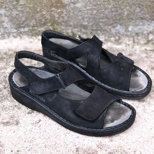 Mephisto Mobils Black Gray Ergonomic Sandals